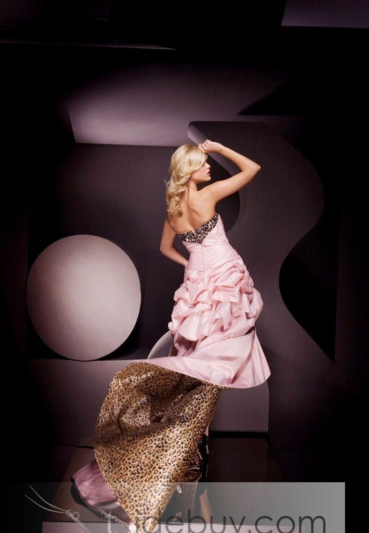 I want a dress that has leopard print underneath!!!! lol