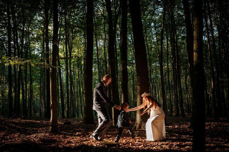 romantyczna sesja w lesie
