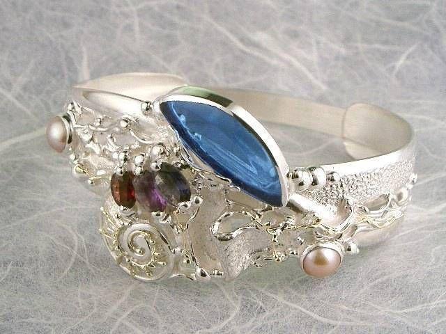 Se denna unika handgjorda smycken…