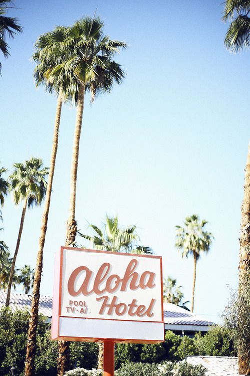 Aloha Hotel, Palm Springs - ph. Hawaiian Coconut