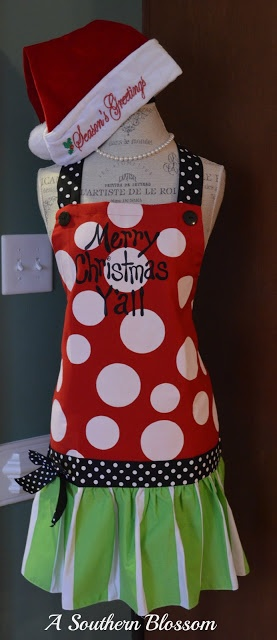 Christmas apron. I need one of these for my cookie exchange @Sherrie Bowe-Hernandez Bowe-Hernandez Letzter  :)
