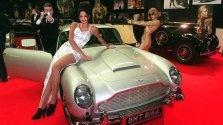 """Im dritten Teil der 007-Reihe, """"Goldfinger"""", geht der britische Geheimagent in einem Aston Martin DB 5 auf Verbrecherjagd. Das Modell wird von 1963 bis 1965 produziert. Im Jahr 1986 ersteigert ein US-amerikanischer Sammler das Originalexemplar aus dem Film für 275.000 Dollar."""