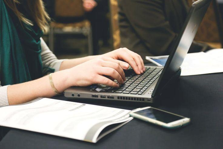 Mimo że laptopy biznesowe przeznaczone są typowo do pracy w firmie, coraz częściej również domowi użytkownicy korzystają z ich zalet. Jak wiadomo jednak, na zakup nowego sprzętu mogą sobie pozwolić tylko nieliczni. Bo laptopy biznesowe to wydatek rzędu nawet 5 tysięcy złotych. Co zrobić, gdy... http://rzeczpospolita24.pl/laptop-biznesowy-dla-kazdego/