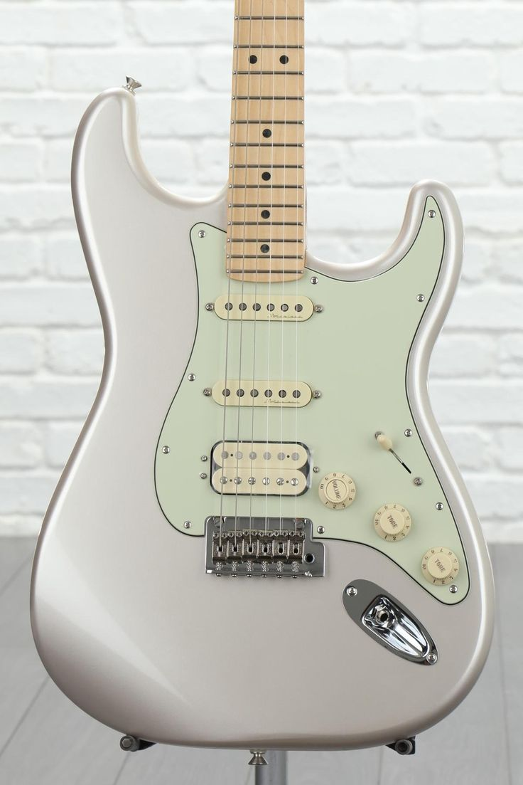 Fender Deluxe Stratocaster HSS - Blizzard Pearl with Maple Fingerboard image 1