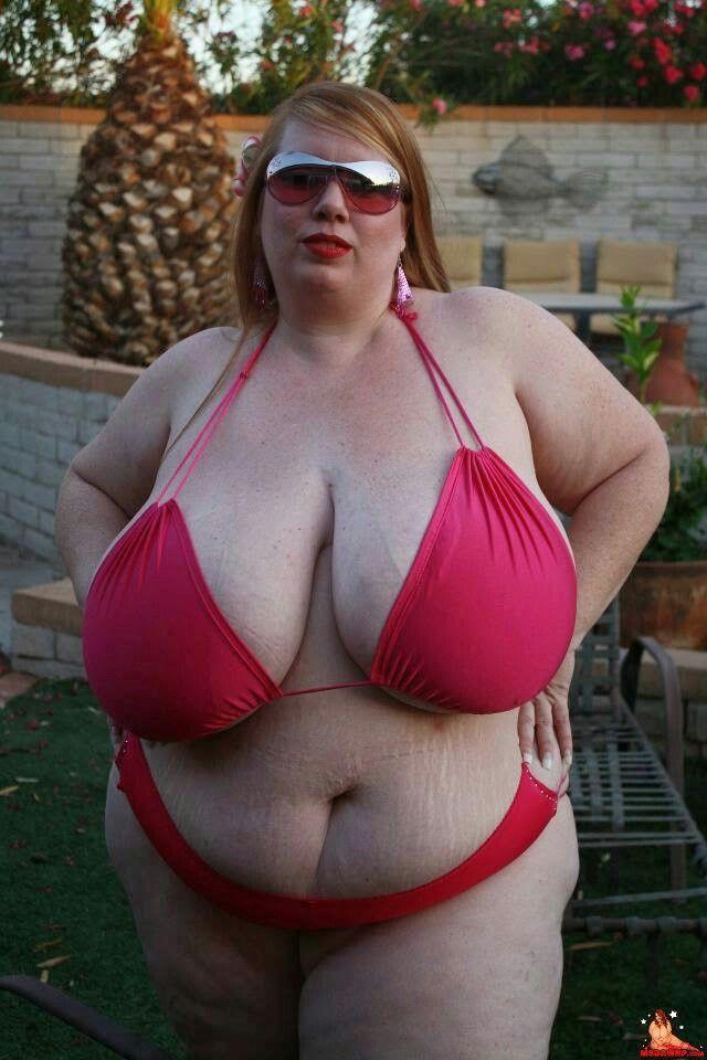 Love that chubby big tits bbw string bikini with