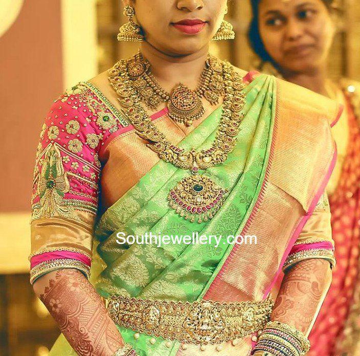 Bride in Antique Gold Jewellery photo
