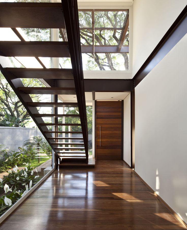 Residência Pau Brasil l Arquitetos: Vasco Lopes Arquitetura. Boaçava, São Paulo - Brasil l Área: 598.0 m² Ano Do Projeto: 2014. Fotografias: Maira Acayaba