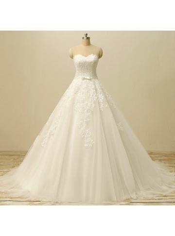 tyll applikerte brude brudekjoler