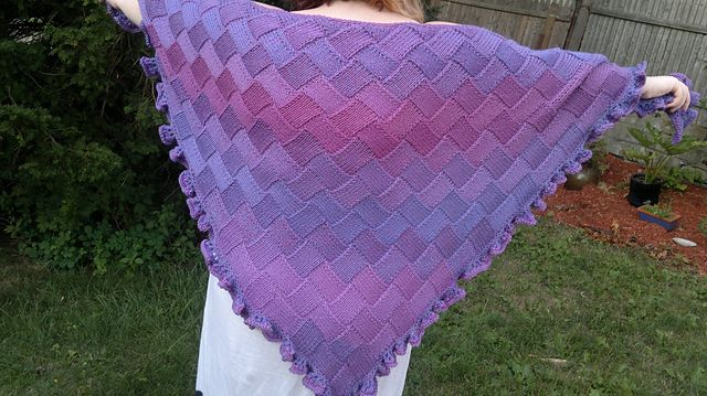 Knitting Pattern For Entrelac Shawl : Triangle Entrelac Shawls pattern Crochet/Knit - Shawl & Shawlette