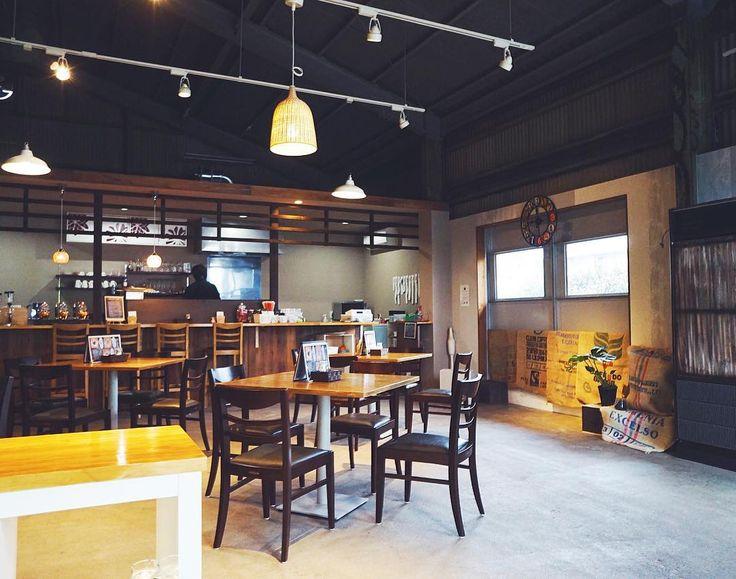 モゾ近く去年出来たカフェ店内広々オシャレだったソファー席が可愛いの #cafe#instacafe#nagoya#cafes#coffee#nicocafe#japan#interior#art#モーニング#インテリア#カフェ#名古屋カフェ#オシャレカフェ#北名古屋#カフェ活#空間デザイン#愛知カフェ#カフェ巡り# by a_s_u_k_a_12