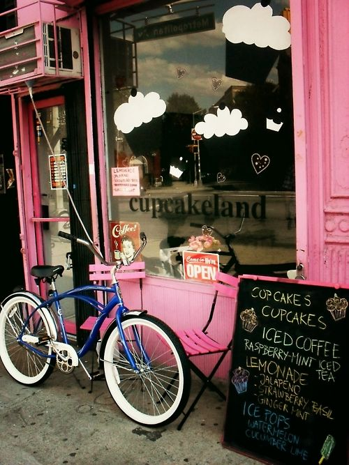 This is so cute ... everything about it. I want a pink cupcake shop! ... via browneyedbellejulie.tumblr.com