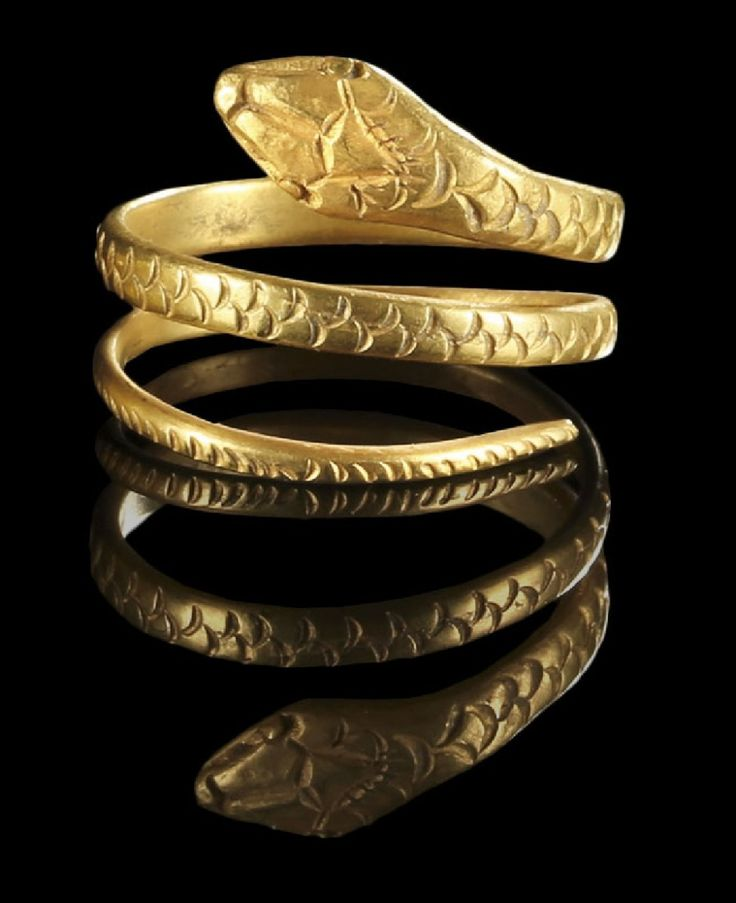 Golden ring in shape of a snake. Roman, 1st century B.C. - 1st century A.D.