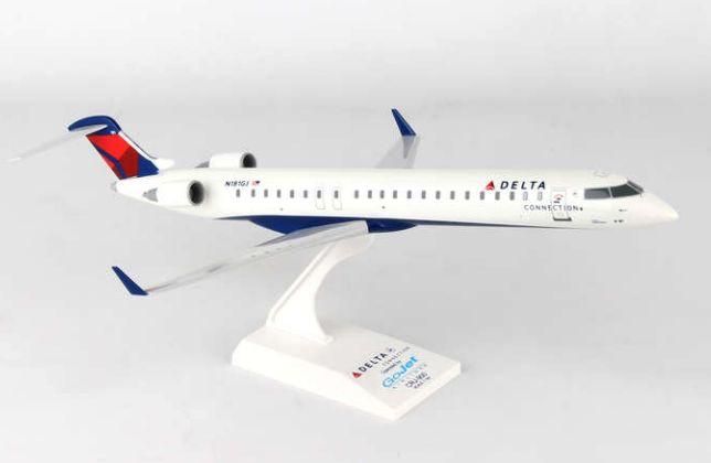 Skymarks Delta Connection GoJet Bombardier CRJ-900 1/100 Plastic Model
