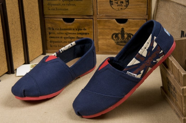 buy cheap #Toms Womens Canvas Shoes Blue #UK Flag