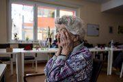 Job authority increases depression symptoms in women, decreases them in men -- ScienceDaily