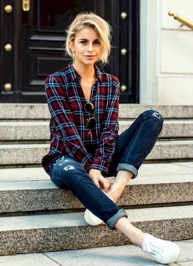 Stunning 55 Casual Flannel Shirt Outfits for This Summer from https://www.fashionetter.com/2017/05/04/55-casual-flannel-shirt-outfits-for-this-summer/