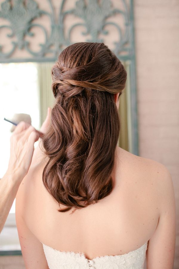 Half up wedding hair < totally what i want mi hair to be. except i want a bun at the back, but the way this looks would be awesome too. hmm. *considering*