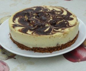 PARA DIABETICOS Cheesecake marmoleado con chocolate