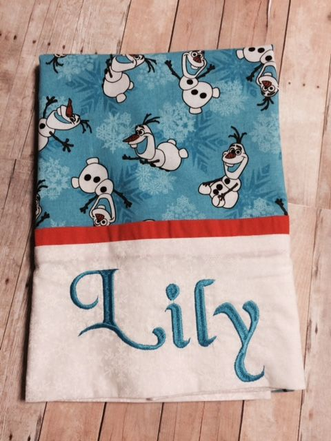 LILY - Olaf Pillowcase - how to make the pillowcase tutorial from Missouri Star Quilt Company | Sewing | Pinterest | Missouri Missouri star quilt and ... & LILY - Olaf Pillowcase - how to make the pillowcase tutorial from ... pillowsntoast.com