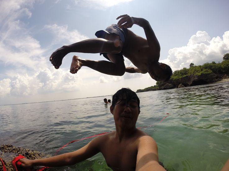 Kemah melesir Honeymoon Beach Bali