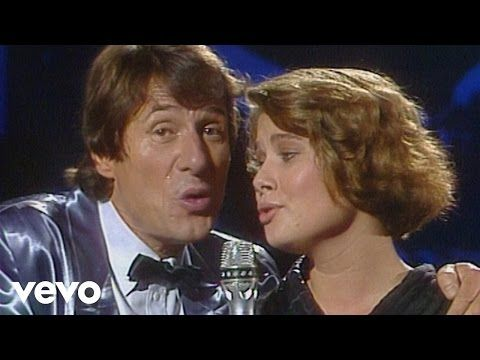 """Ella Endlich singt """"Küss mich, halt mich, lieb mich"""" nach der Melodie aus dem Kultfilm """"Drei Haselnüsse für Aschenbrödel"""" - hier den Song inkl. neuer Akustik..."""