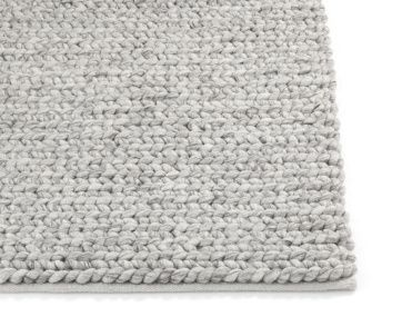 Fantastic Rug In 100 Nz Wool The Carpet Is Knotted Braided Pattern Entirely