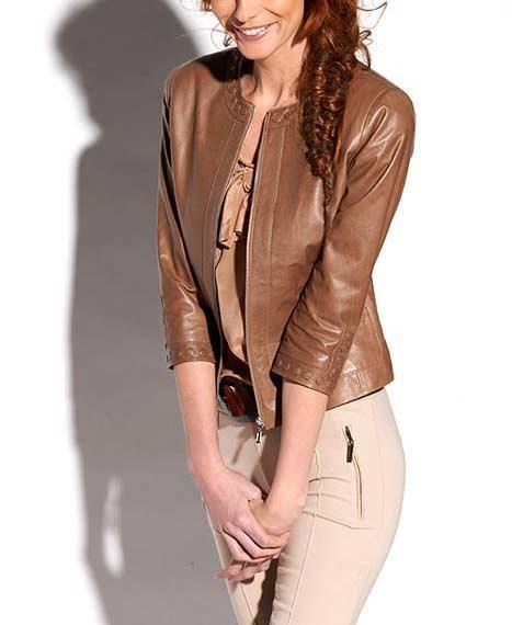 Легкая кожаная куртка женская
