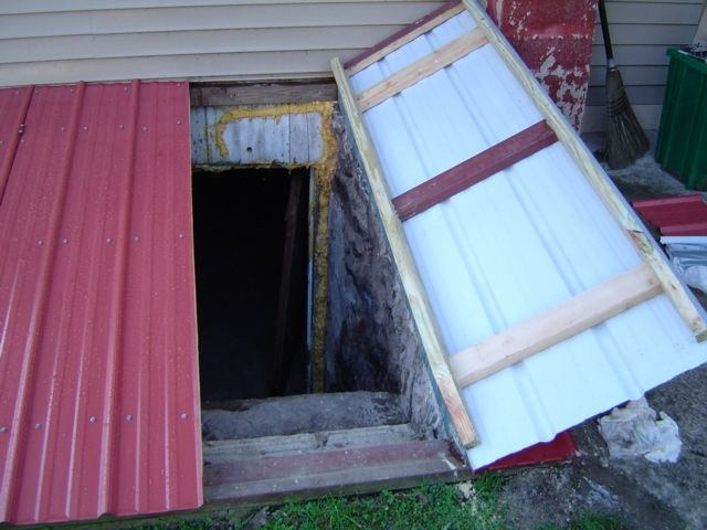 Building a bilco cellar door for old farmhouse ideas for Walkout basement door options