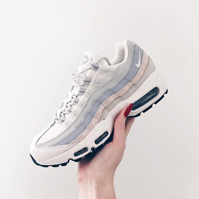Sneakers femme - Nike Air Max 95 Pic by brooke