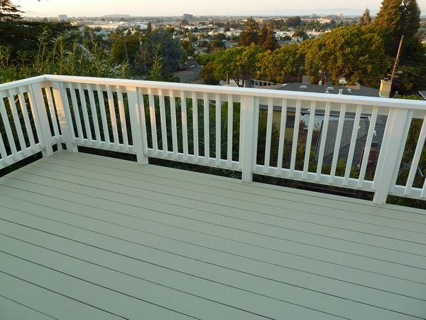 Or perhaps a better title - how not to paint a deck.   I first noticed a problem with our balcony when I hosed it off for our July 4th hous...