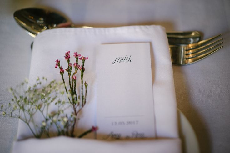 TIP: Add a delicate sprig of fynbos (or two) as a finishing touch for your plate and napkin setting. Simple and elegant, it works equally well for any occasion!