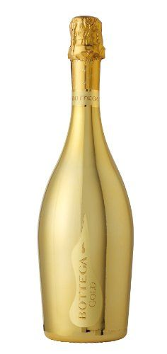 Buy Champagne online @ LiquorOnline.col.uk An ideal place to buy champagne online in UK.