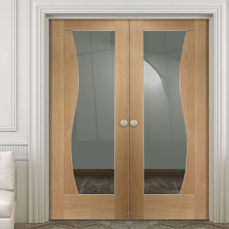 The stunning looking new style Emilia Oak Flush Door Pair with Stepped Design and Clear Safe Glass has top quality veneers with beautiful design features, real quality at a great price. #doubledoor #internaldoorpair #ooakdoubledoor