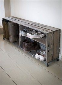 <strong> </strong>Crate style organisation, designed to fit large wellies and various trainers that need stowing near the backdoor.