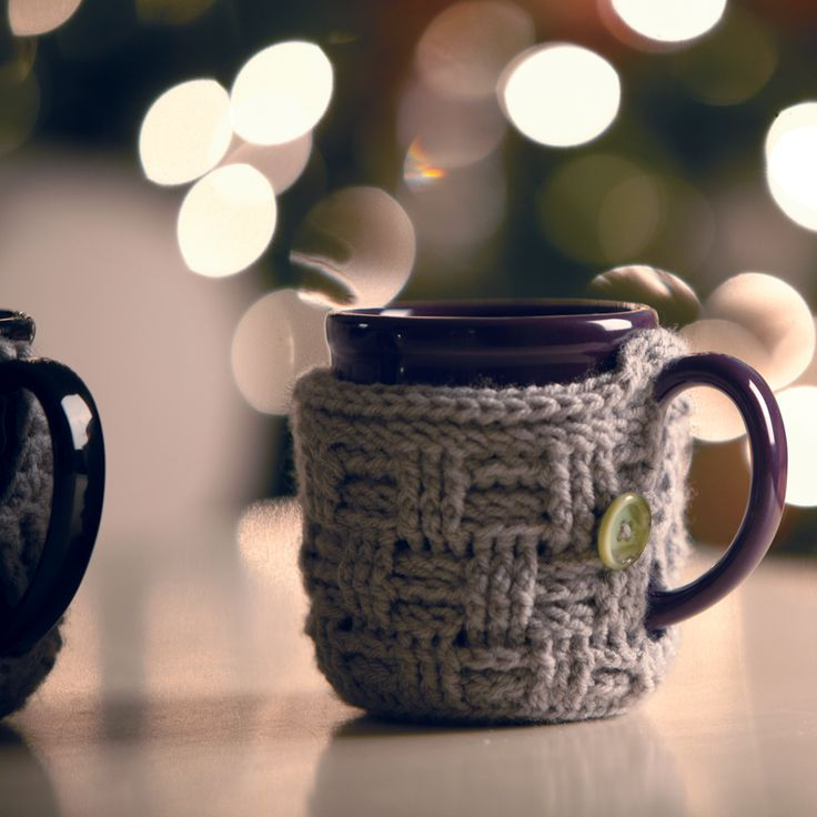 The Big Basket Blog | DIY Crocheted Basket-Weave Mug Cozy ༺✿ƬⱤღ http://www.pinterest.com/teretegui/✿༻