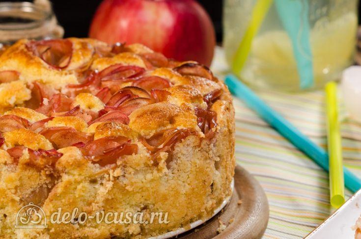 Шарлотка с розами из яблок #десерты #выпечка #шарлотка #пироги #рецепты #деловкуса #готовимсделовкуса