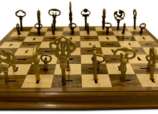 Designed By Dave Pickett, This Skeleton Key Chess Set Replaces Each Piece  With A Unique Skeleton Key That Locks Into Place On The Board. Each Key Is  Made Of