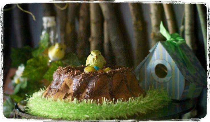 Happy Easter. Bird's nest cake.