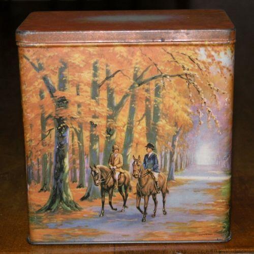 Vintage William Arnott's Homebush NSW Golden Autumn Biscuit Tin