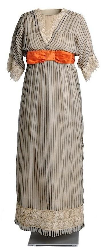 Dress, attributed to Paul Poiret, 1911.