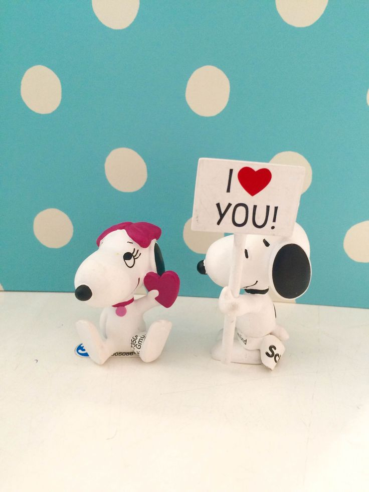Snoopy and Belle sending their love // Schleich Peanut toys // Available across all 3 of our stores