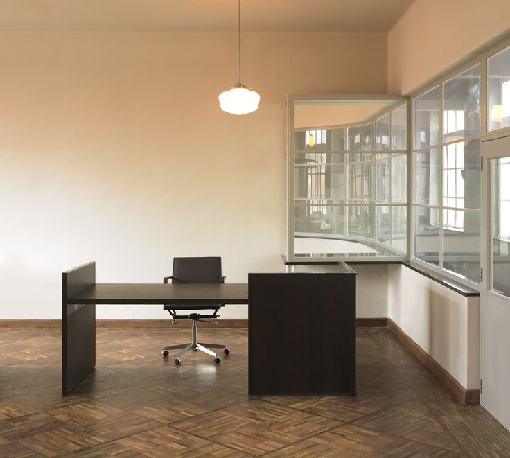 EXECUTIVE - Desk ( by Vincent van Duysen for Bulo)