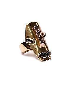 Gran anillo Bimba & Lola mascara dorada y esmalte T media vintage agotado ocasio