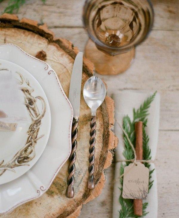 Porcelana Vintage Sabe aquela porcelana que sua avó utilizava apenas nos grandes jantares de família? Este estilo de peças, que poderá ser misturado e somado à outras, irá conferir um ar Vintage à mesa do jantar.