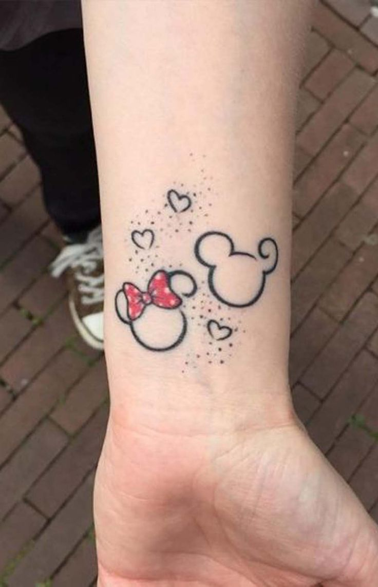 Mickey Mouse Outline Matching Wrist Tattoo Ideas for Couples Boyfriend Girlfriends - Tatuaje de muñeca a juego - www.MyBodiArt.com