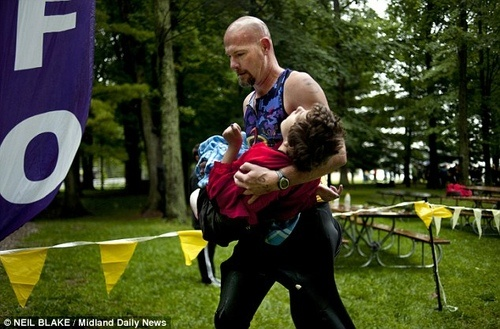 He swims, bikes, & runs with her through triathlons! His love for her is awe inspiring!Amazing, Inspiration, Faith, Cerebral Palsy, Triathlon, Daughters, Human Restoration, Fathers, Dads