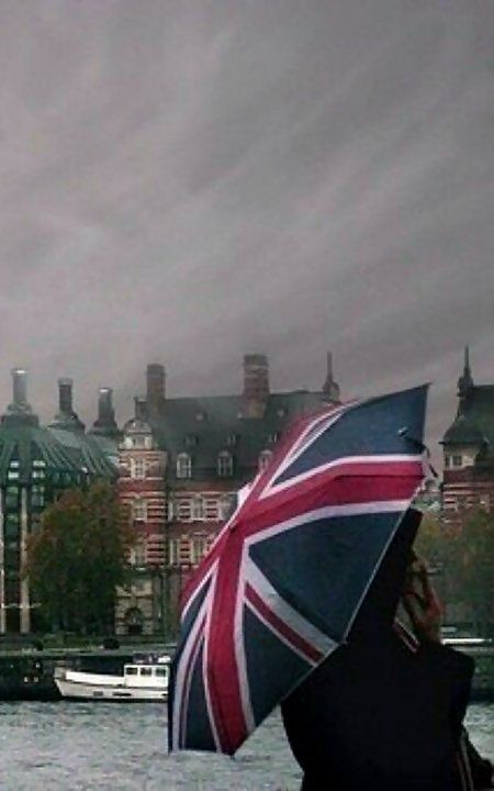 Rainy day in London town.