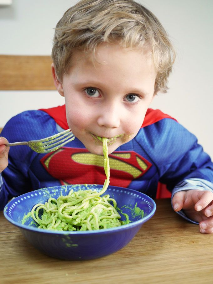 Superhero Hidden Vegetable Pasta Sauce - This may not turn you into Superman, but it reminds us of The Hulk and packed with hidden veggies, that's a superpower right?! A brilliant kids meal for fussy eaters. (Ssshh.. Secretly packed with cauliflower, broccoli and spinach!) | TamingTwins.com