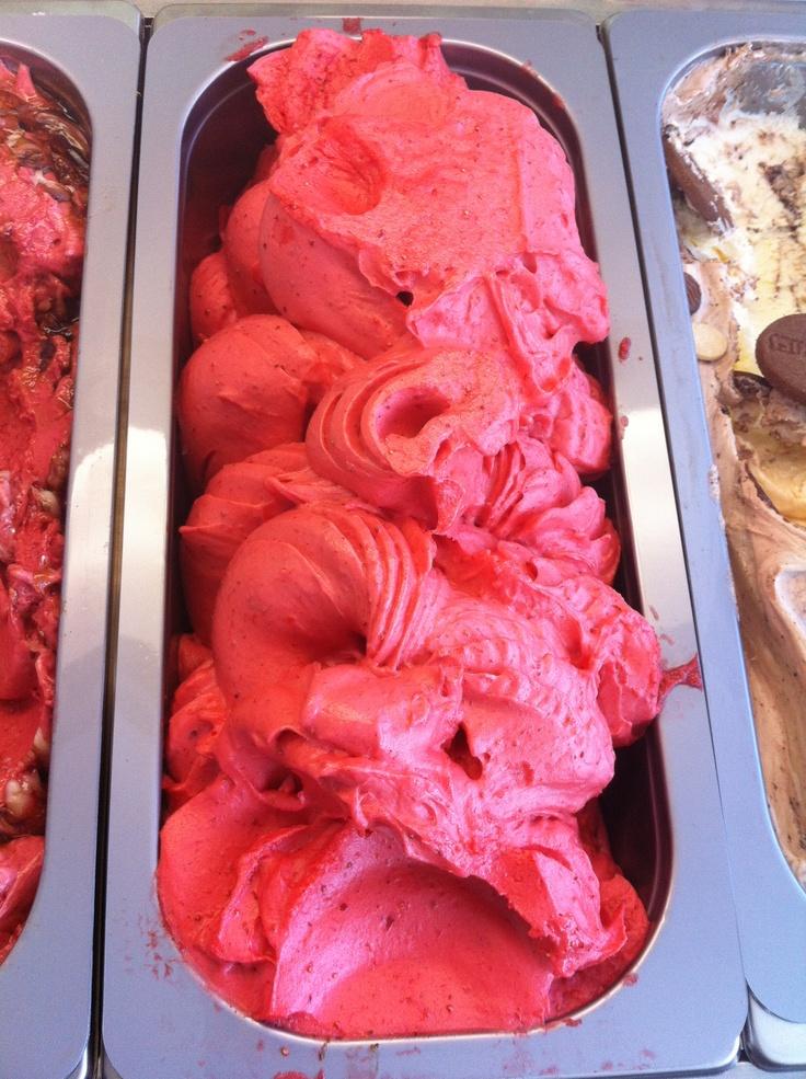 Icecream strawberry (παγωτο φραουλα)