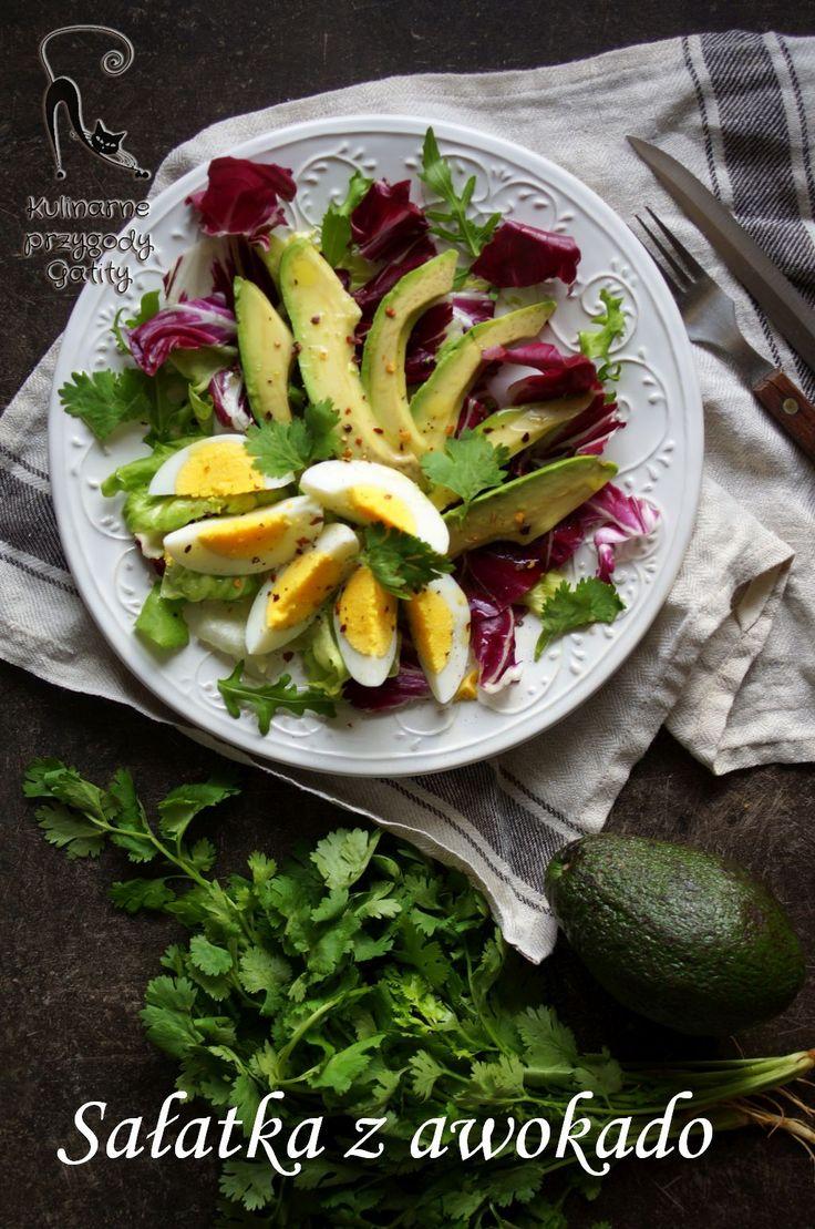 Kulinarne przygody Gatity - przepisy pełne smaku: Sałatka z awokado i jajkiem